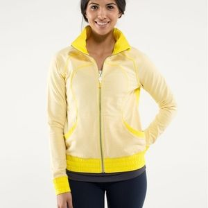 Lululemon blissed our jacket in yellow sizzle 4